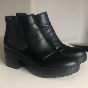 Steve Madden Romman Chelsea Boots